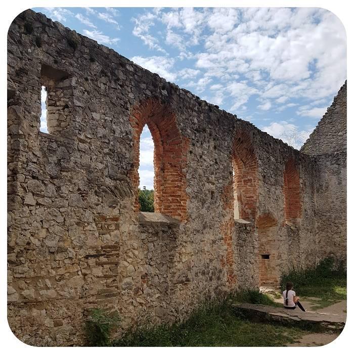 mury_kostolu