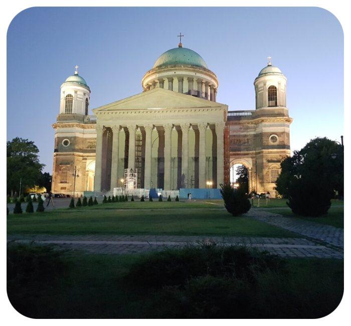 budova_arcibiskupstvo