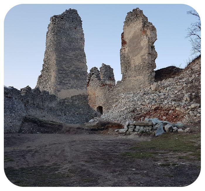 nadvorie_hradu