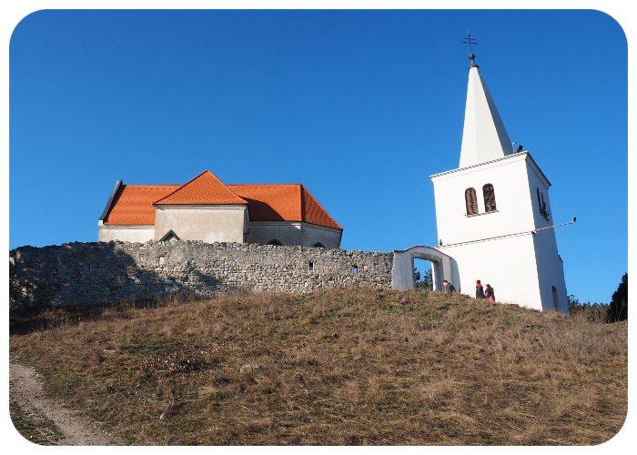 mur_kostol